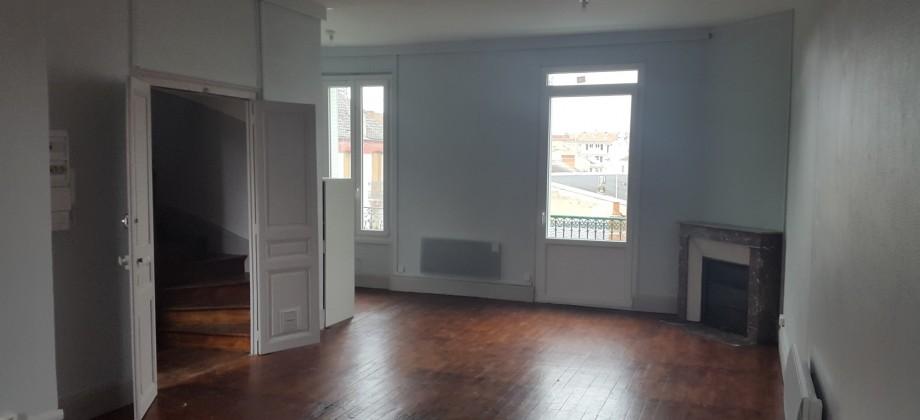 Duplex rénové quartier de France