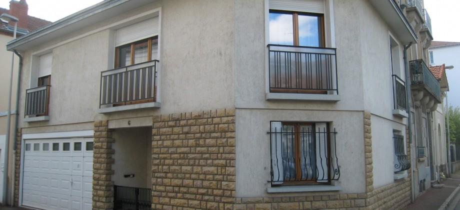 Maison avec garage coeur quartier Thermal
