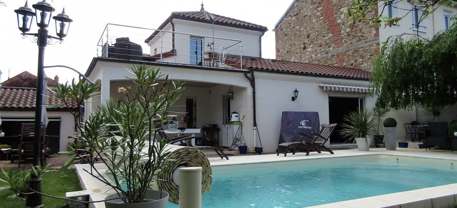 Rare Vichy: Maison récente avec piscine