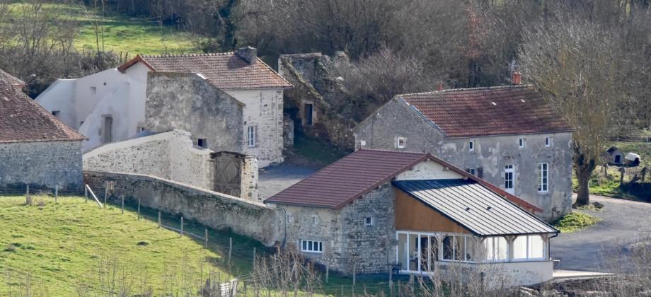Propriété composée de 3 maisons